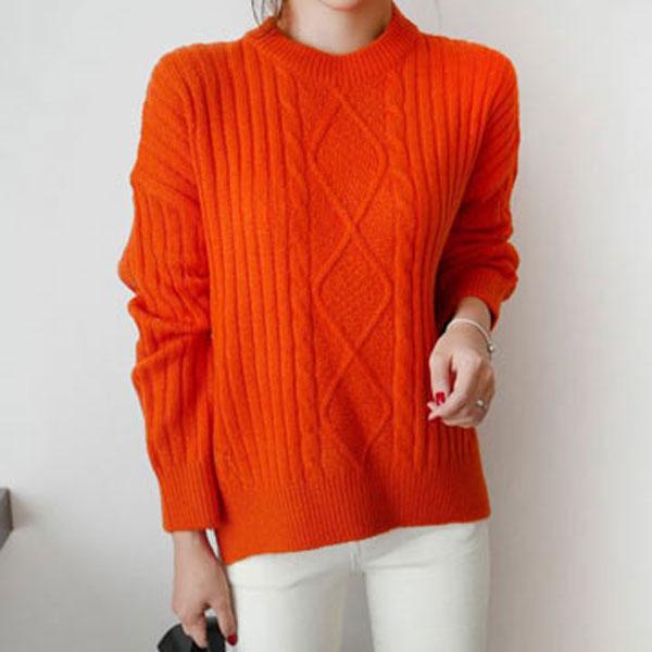 輕柔素色百搭圓領毛衣