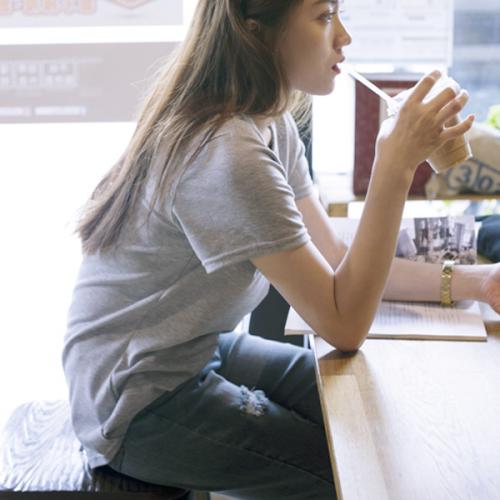 【陳沂著用款】極簡休閒V領短袖T恤,JEANSWE,百搭,修身,寬鬆,顯瘦